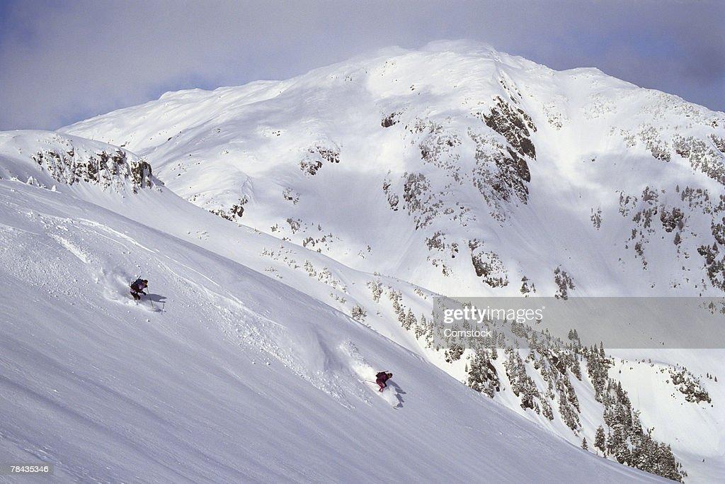 Two people skiing at Juneau , Alaska : Stockfoto