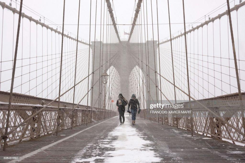 TOPSHOT-US-WEATHER-SNOW-weather-blizzard-snow-storm : News Photo