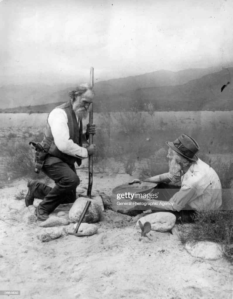 Gold Prospectors : News Photo