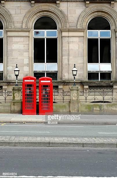 Dois red Cabina de Telefone Público