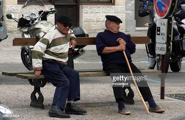 30 Foto E Immagini Di Anziani Panchina Di Tendenza Getty Images