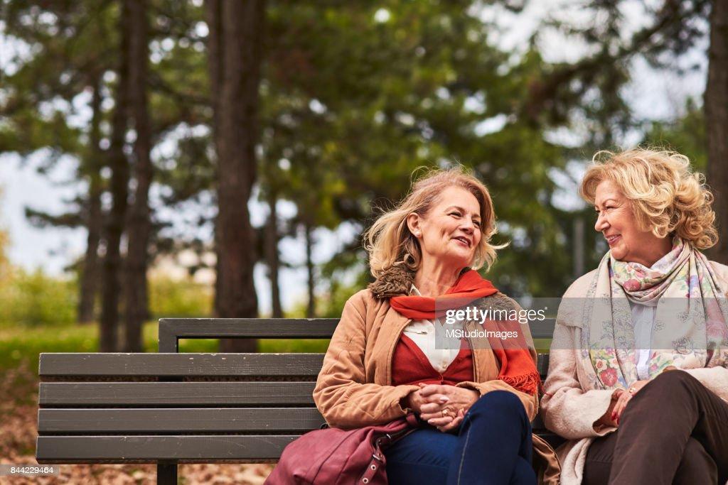 Two senoir woman talking : Stock Photo