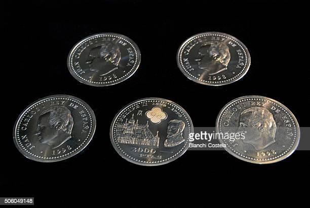 Two thousand pesetas coins