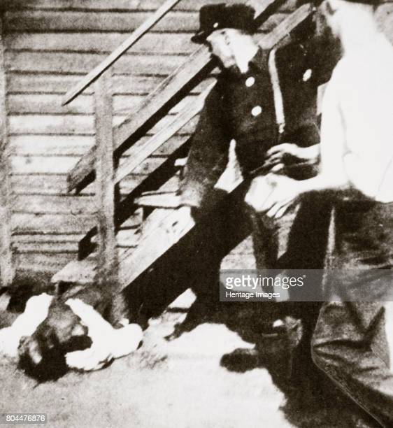Two white men stoning an African American to death USA Between 1910 and 1930 41 million African Americans moved from the Southern states to the...