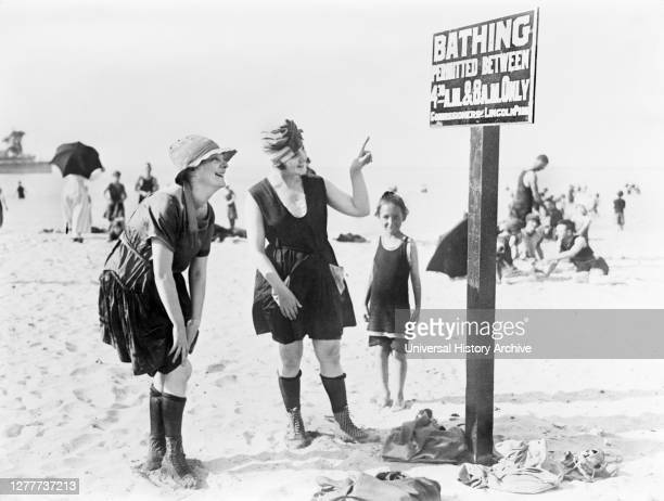 Two Women reading Sign on Beach, Lincoln, Park, Chicago, Illinois, USA, American National Red Cross Collection, 1919.