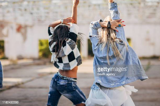 two women street dancers - south_agency stock pictures, royalty-free photos & images