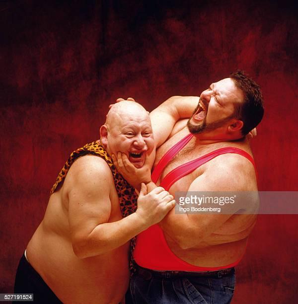 two wrestlers - プロレス ストックフォトと画像