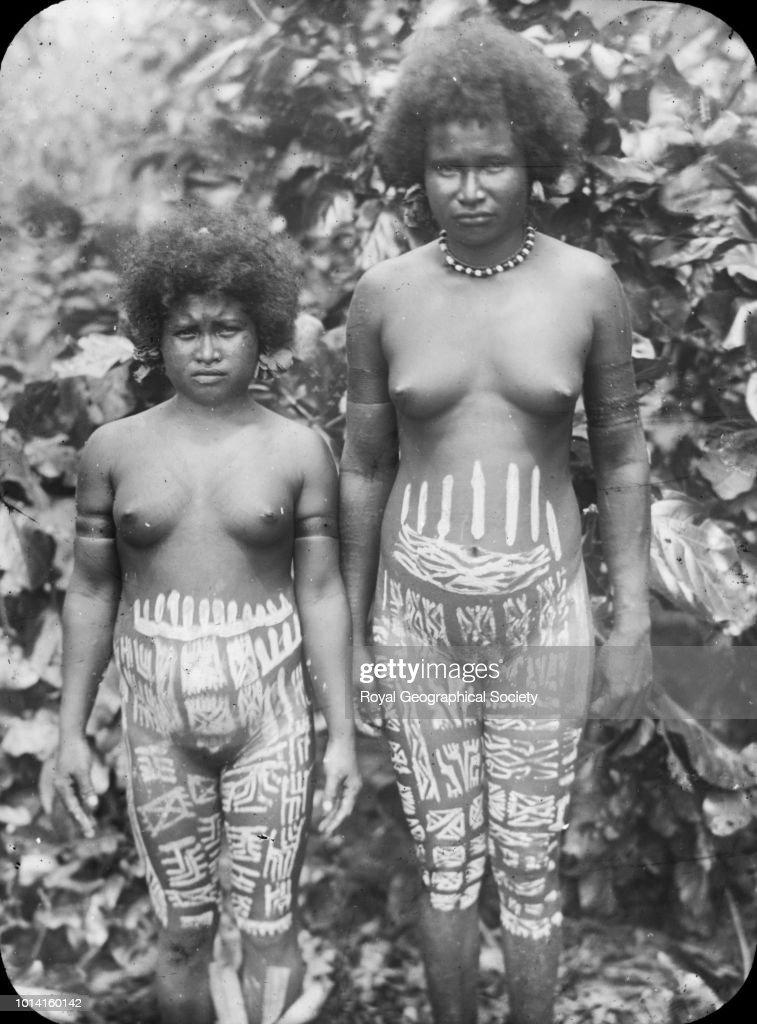 Women naked giving bj