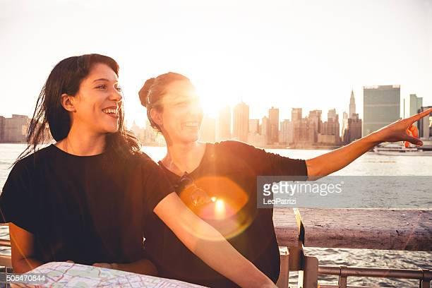 Zwei junge Touristen in New York