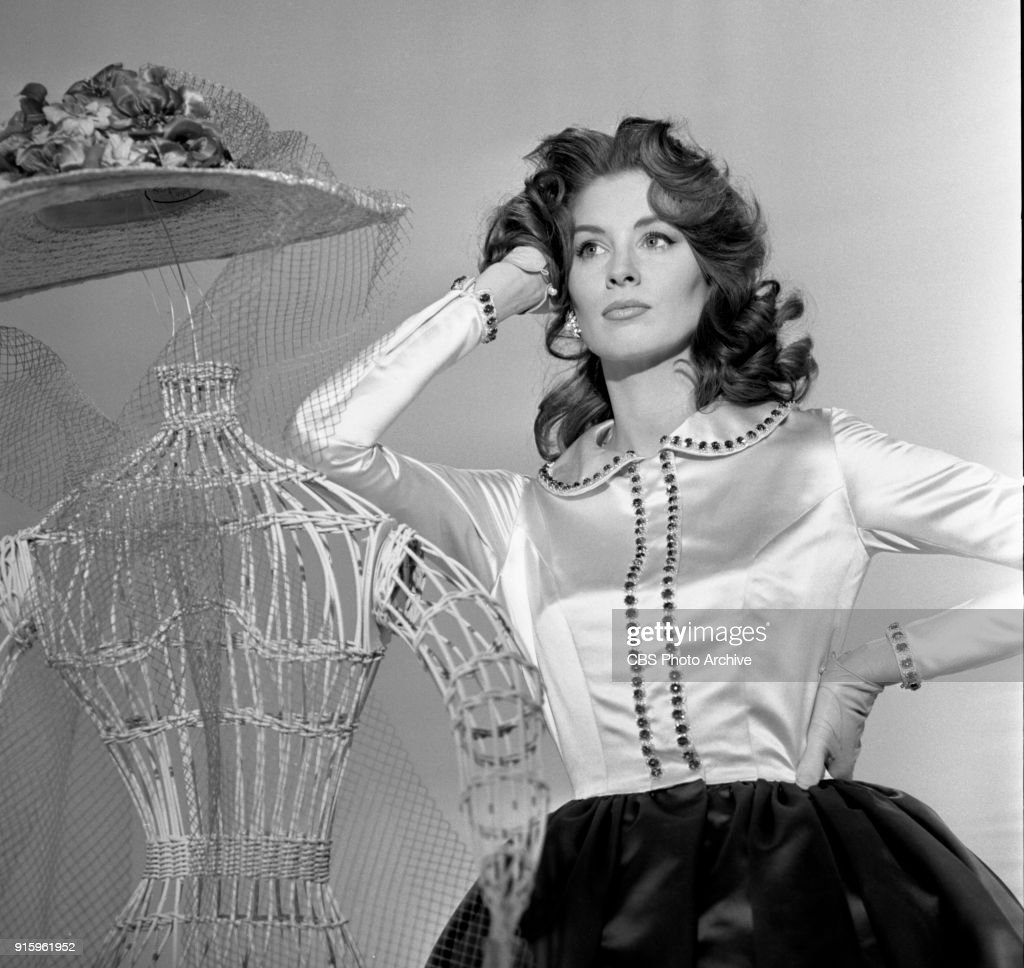 Two-hour CBS television special, The Fabulous Fifties. A review of the previous decade through musical and comedy skits, commentary and news clips. Fashion model, Suzy Parker, poses. Image dated January 26, 1960. Show date January 31, 1960.