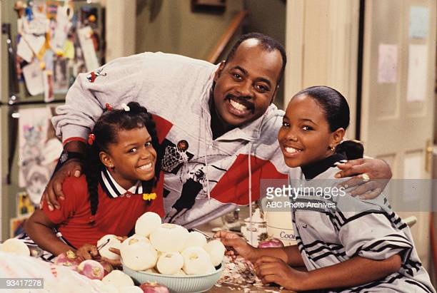 MATTERS TwoIncome Family Season One 9/29/89 Carl worried about the family debts after Harriette lost her job Jaimee Foxworth and Kellie S Williams...