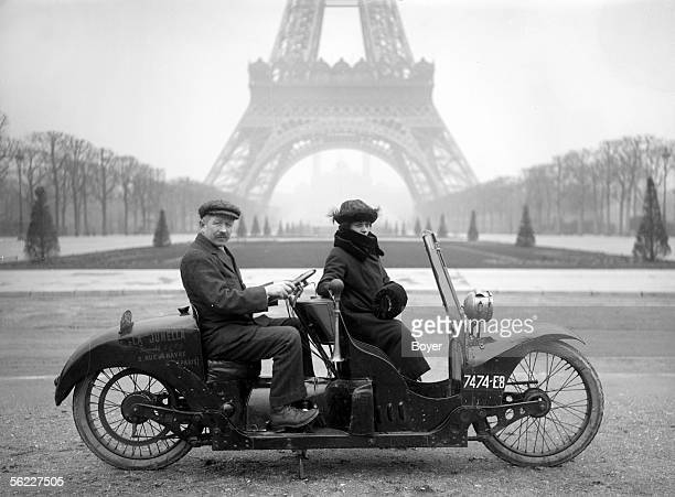 Two-seater motorcycle in Champ-de-Mars. Paris, on 1922.