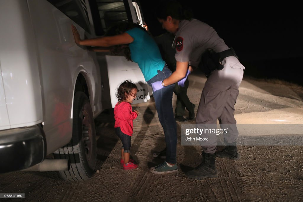 Border Patrol Agents Detain Migrants Near US-Mexico Border : News Photo