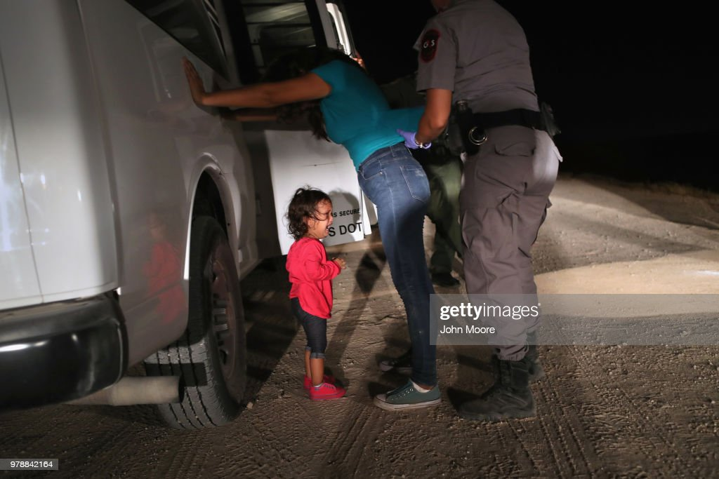 Border Patrol Agents Detain Migrants Near US-Mexico Border : News Photo