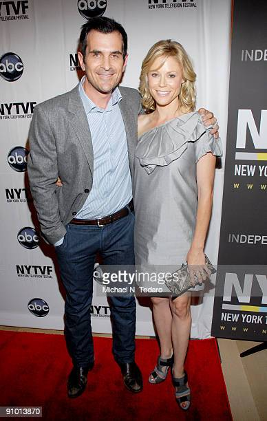 Ty Burrell and Julie Bowen attend the 2009 New York Television Festival screenings of Modern Family and Cougar Town at TheTimesCenter on September 21...