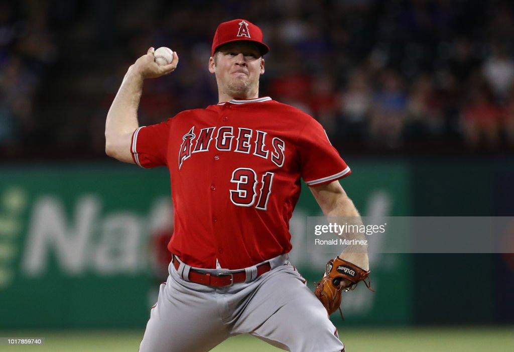 Los Angeles Angels of Anaheim  v Texas Rangers : News Photo