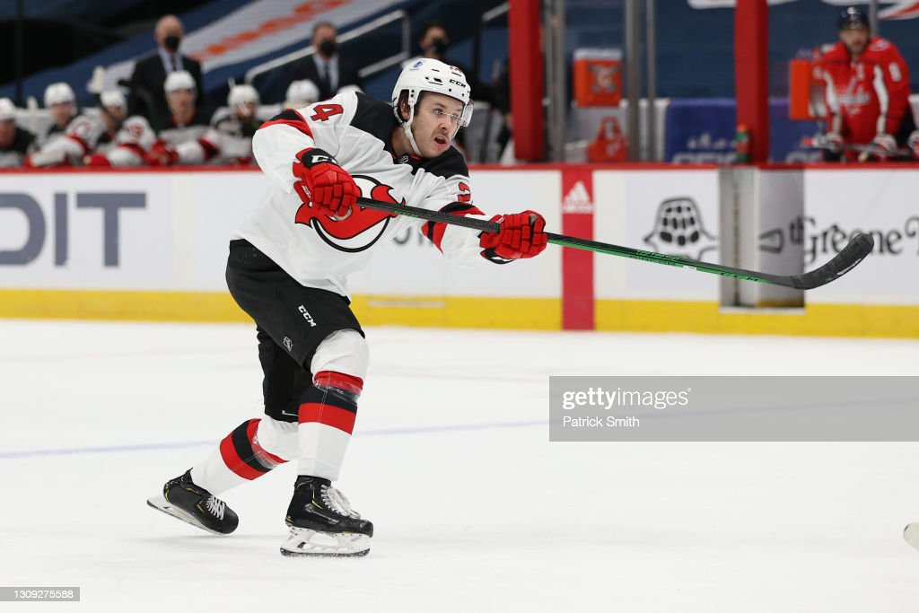 New Jersey Devils v Washington Capitals : News Photo