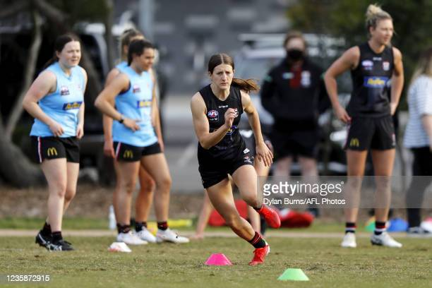Tyanna Smith of the Saints in action during the St Kilda training session at RSEA Park on October 14, 2021 in Melbourne, Australia.