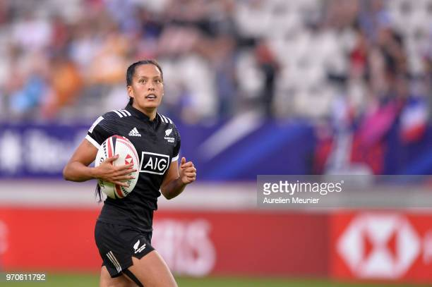 Tyla Nathan Wong of New Zealand score a try during match between New Zealand and Canada at the HSBC Paris Sevens stage of the Rugby Sevens World...