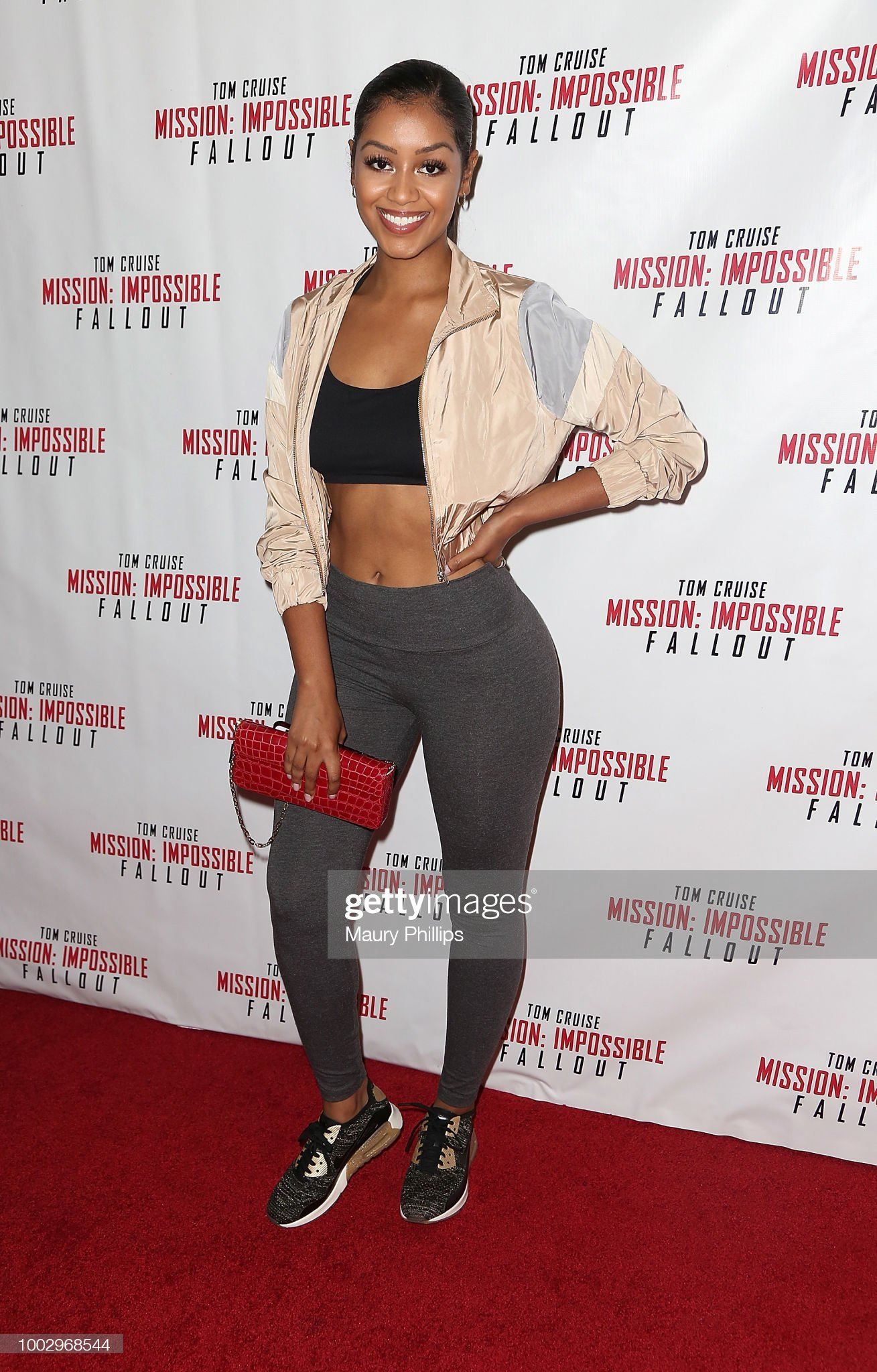 ¿Cuánto mide Tyler Abron? - Real height Tyler-abron-attends-mission-impossible-fallout-screening-on-july-20-picture-id1002968544?s=2048x2048