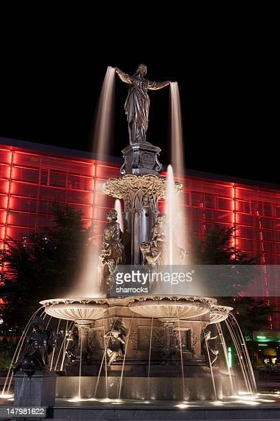 tyler davidson fountain, cincinnati, ohio - cincinnati stock pictures, royalty-free photos & images