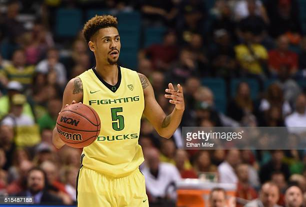 Tyler Dorsey of the Oregon Ducks brings the ball up the court against the Utah Utes during the championship game of the Pac12 Basketball Tournament...