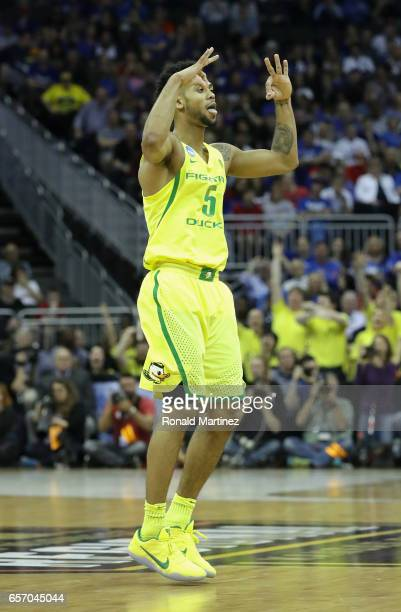 Tyler Dorsey of the Oregon Ducks reacts in the first half against the Michigan Wolverines during the 2017 NCAA Men's Basketball Tournament Midwest...