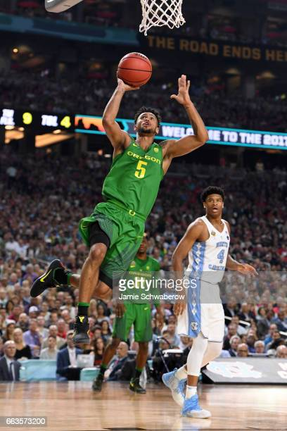 Tyler Dorsey of the Oregon Ducks shoots a basket during the 2017 NCAA Men's Final Four Semifinal against the North Carolina Tar Heels at University...