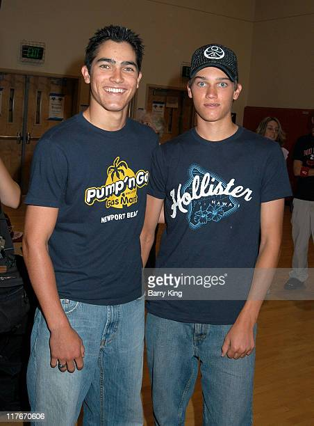 Tyler Hoechlin and brother Tanner during Hollywood Knights Basketball Game April 7 2004 at Burroughs High School in Burbank California United States