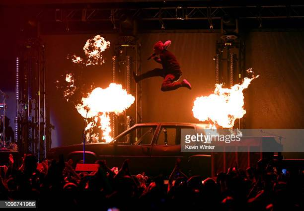 USE>> Tyler Joseph of Twenty One Pilots performs on stage during 2019 iHeartRadio ALTer Ego at The Forum on January 19 2019 in Inglewood California
