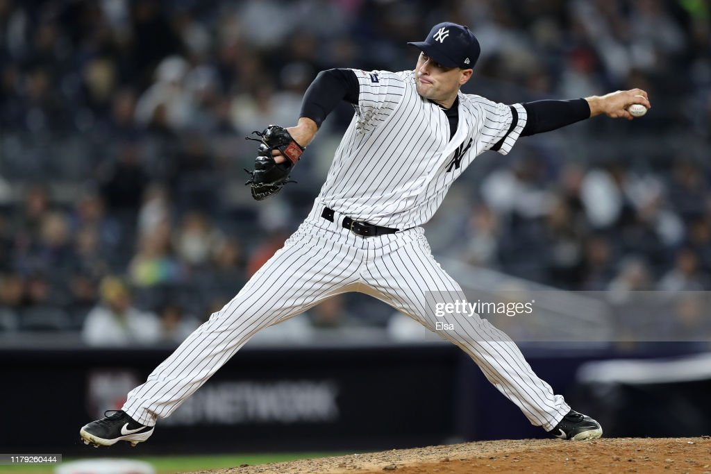 Divisional Series - Minnesota Twins v New York Yankees - Game Two : News Photo