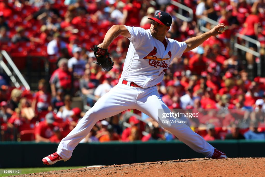 Tyler Lyons #70 of the St. Louis Cardinals delivers a pitch against the Arizona Diamondbacks in the seventh inning at Busch Stadium on July 30, 2017 in St. Louis, Missouri.