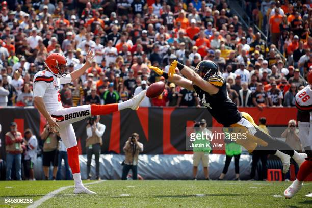 Tyler Matakevich of the Pittsburgh Steelers blocks the punt of Britton Colquitt of the Cleveland Browns in the first quarter at FirstEnergy Stadium...