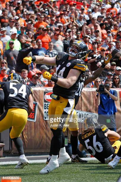 Tyler Matakevich of the Pittsburgh Steelers celebrates after blocking a punt for a touchdown in the first quarter against the Cleveland Browns at...