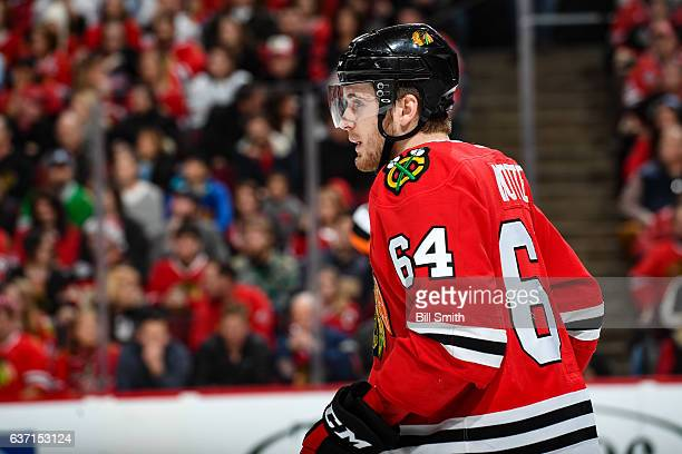 Tyler Motte of the Chicago Blackhawks looks down the ice in the first period against the Winnipeg Jets at the United Center on December 27 2016 in...