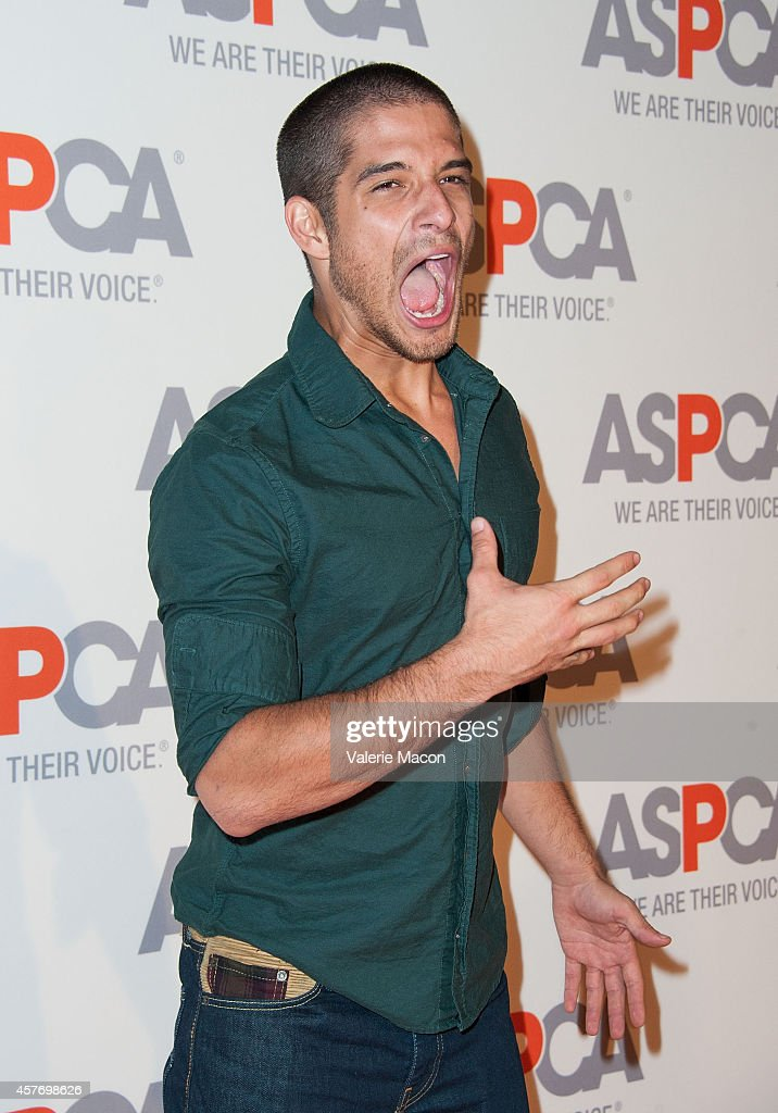 Tyler Posey arrives at the ASPCA event Honoring Kaley Cuoco-Sweeting And Nikki Reed on October 22, 2014 in Belair, California.