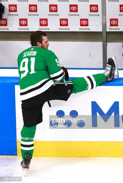 Tyler Seguin of the Dallas Stars stretches before the game against the Colorado Avalanche in a Western Conference Round Robin game during the 2020...