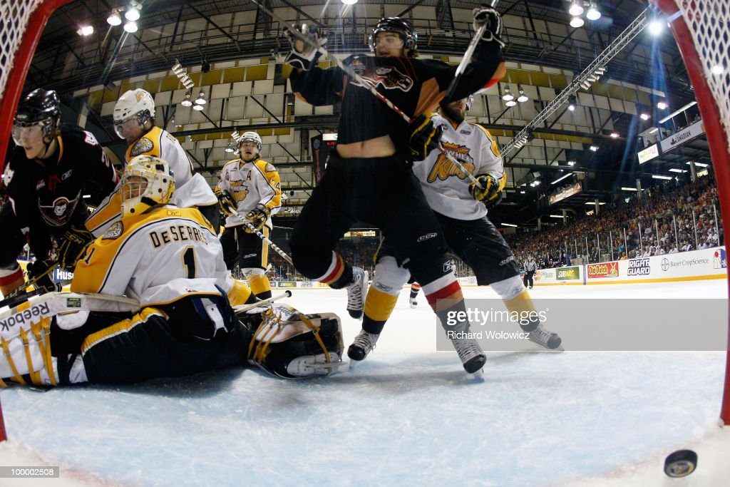 Brandon Wheat Kings v Calgary Hitmen