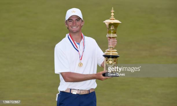 Tyler Strafaci poses with the trophy after winning the U.S. Amateur at Bandon Dunes on August 16, 2020 in Bandon, Oregon.