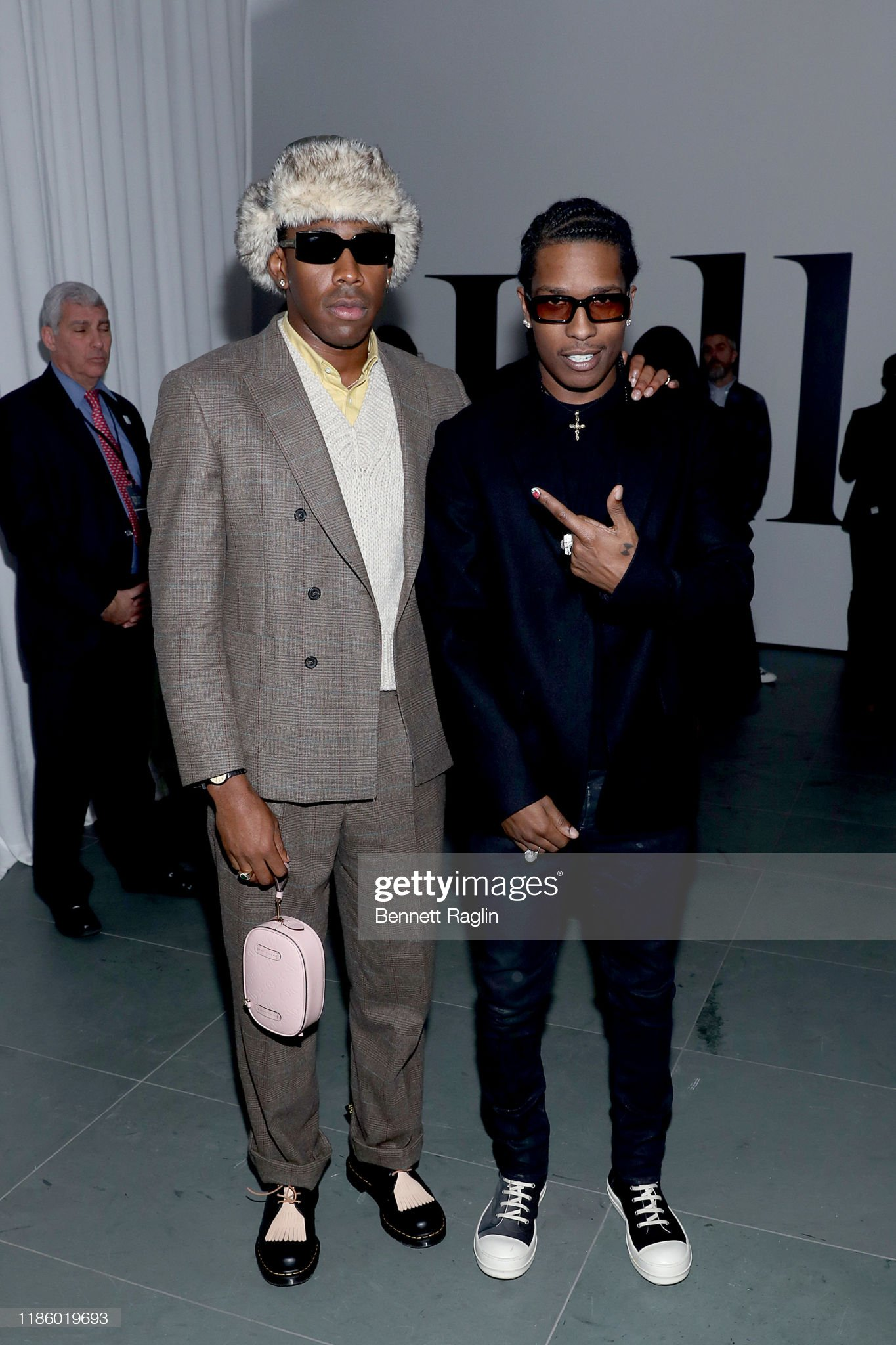 ¿Cuánto mide ASAP Rocky? - Altura - Real height Tyler-the-creator-and-aap-rocky-attend-the-wsj-magazine-2019-awards-picture-id1186019693?s=2048x2048