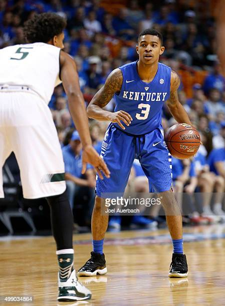 Tyler Ulis of the Kentucky Wildcats brings the ball up court against Nehemias Morillo of the South Florida Bulls on November 27 2015 at the American...