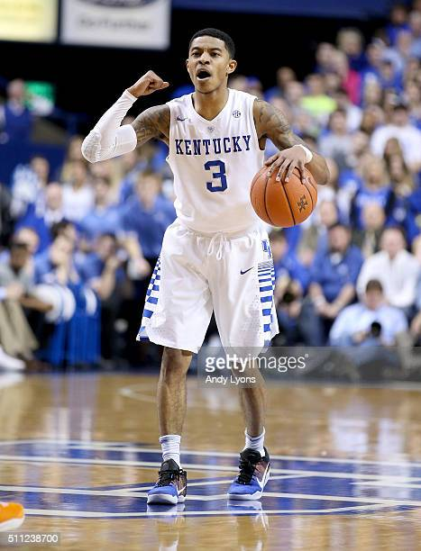 Tyler Ulis of the Kentucky Wildcats dribbles the ball during the game against the Tennessee Volunteers at Rupp Arena on February 18 2016 in Lexington...