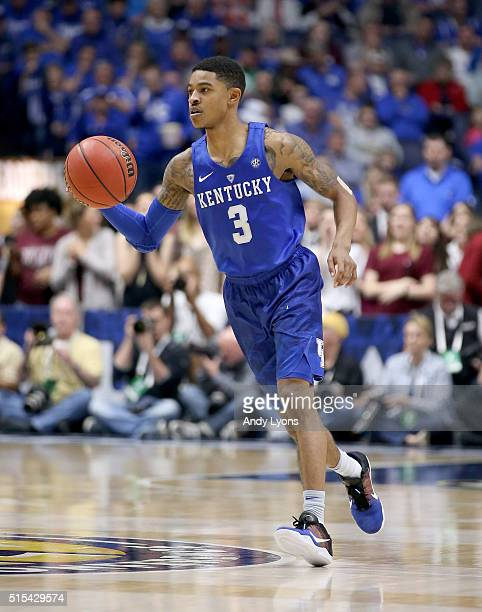 Tyler Ulis of the Kentucky Wildcats dribbles the ball in the 8277 OT win over the Texas AM Aggies in the Championship Game of the SEC Basketball...
