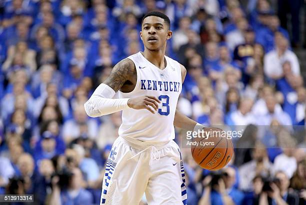 Tyler Ulis of the Kentucky Wildcats dribbles the ball in the game against the LSU Tigers at Rupp Arena on March 5 2016 in Lexington Kentucky