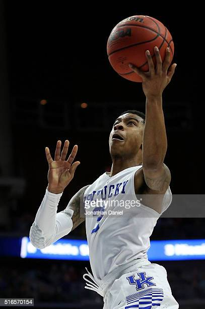 Tyler Ulis of the Kentucky Wildcats shoots against the Indiana Hoosiers in the second half during the second round of the 2016 NCAA Men's Basketball...