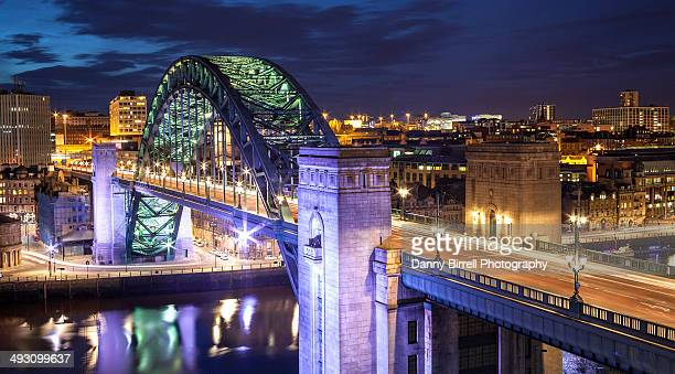 tyne bridge at night - newcastle upon tyne stock pictures, royalty-free photos & images