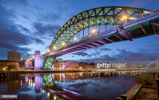 tyne bridge, newcastle upon tyne, england - newcastle upon tyne stock pictures, royalty-free photos & images