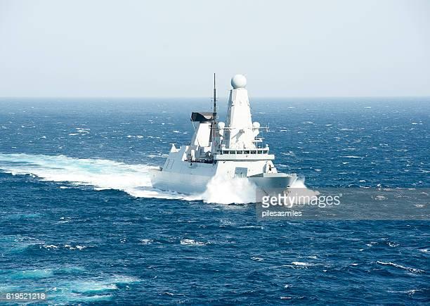 type 45 at speed, arabian sea - contratorpedeiro - fotografias e filmes do acervo