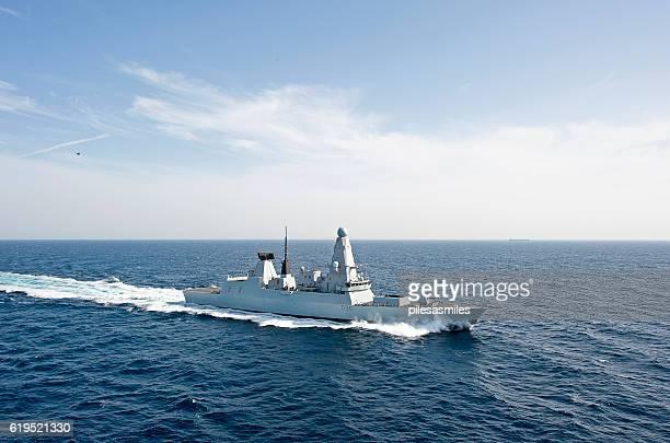 typ 45 mit geschwindigkeit, arabisches meer - kriegsschiff stock-fotos und bilder