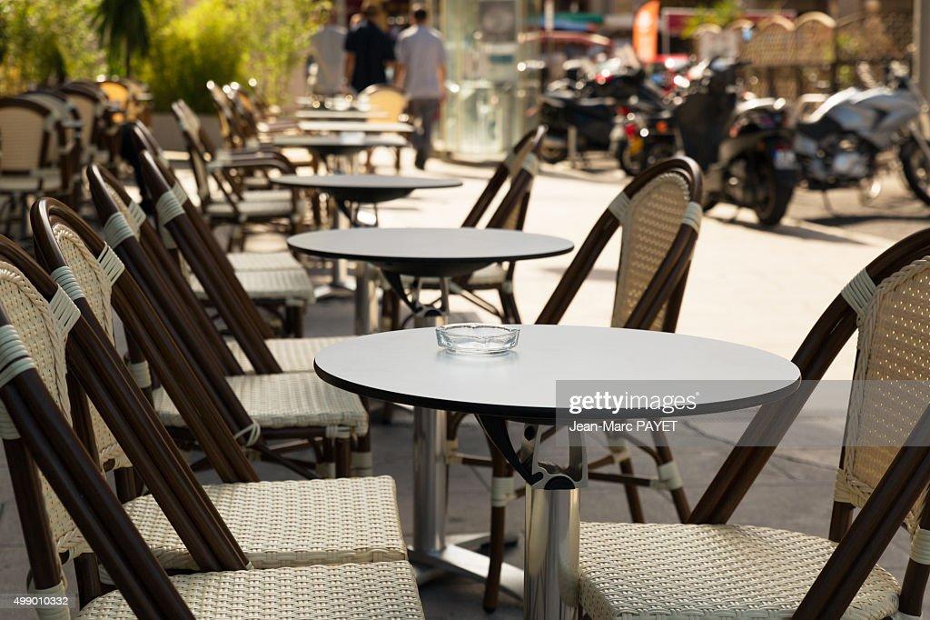 Typical café terrace, France : Photo